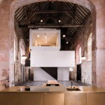 ARCHITECTURE : A chapel into a new office by Klaarchitectuur
