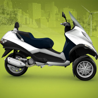 Piaggio MP3 Hybrid : un scooter ou un mutant ?