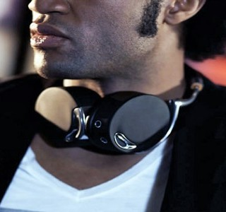 ZIK, casque sans fil by Starck