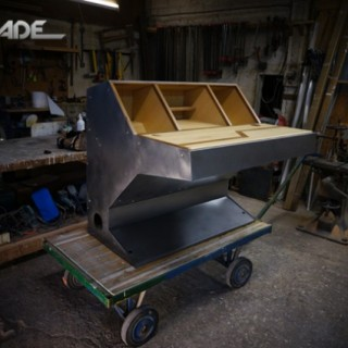 DESIGN : Arcade Desk