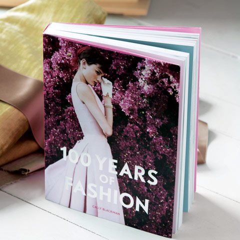 MODE/BOOK– 100 Years of Fashion !