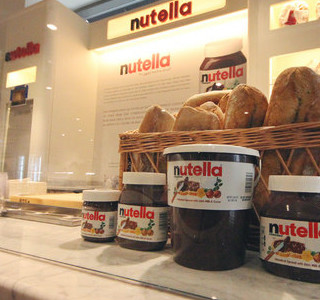 GOURMANDISE: Le 1er Nutella Bar a ouvert!