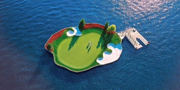SPORT : Floating Golf Course