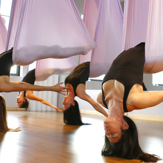 BIEN ETRE : Flying Yoga !