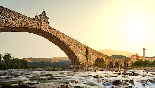 best-small-towns-in-northern-italy-Bobbio