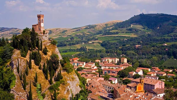 best-small-towns-in-northern-italy-Brisighella