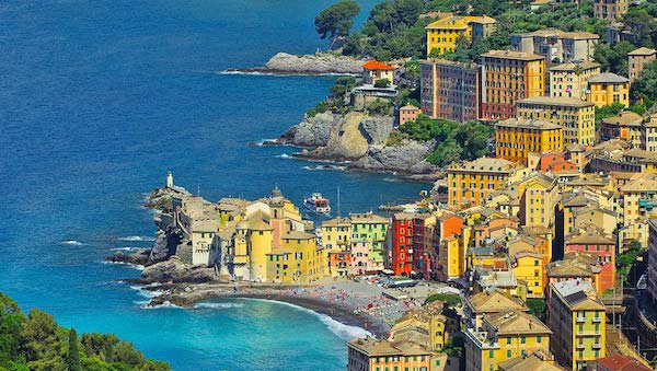 best-small-towns-in-northern-italy-Camogli
