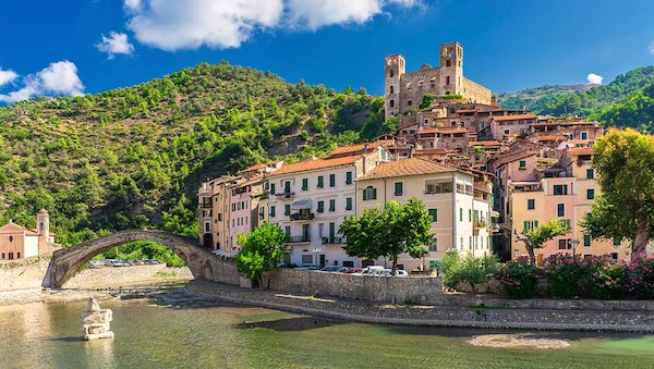 best-small-towns-in-northern-italy-Dolceacqua