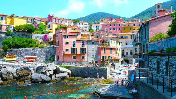 best-small-towns-in-northern-italy-Tellaro