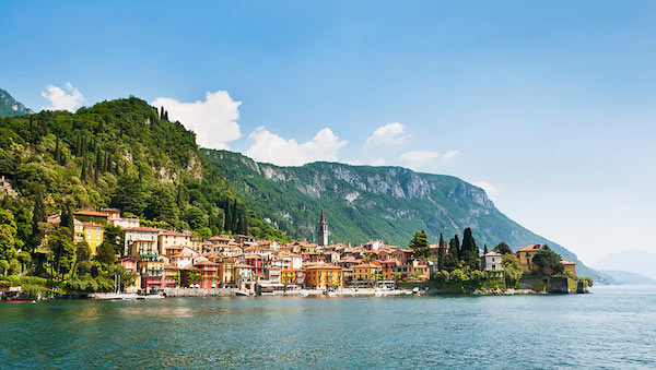 best-small-towns-in-northern-italy-Varenna