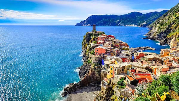 best-small-towns-in-northern-italy-Vernazza
