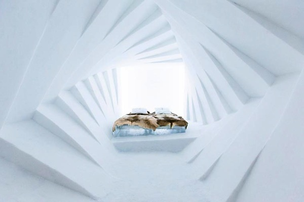 Ice-Hotel-2015-art-suites-11