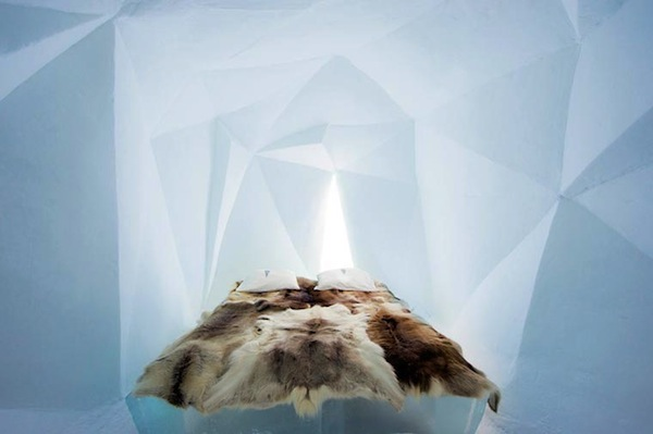 Ice-Hotel-2015-art-suites-7