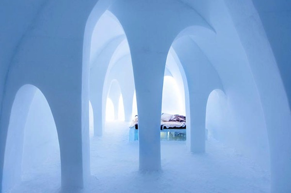 Ice-Hotel-2015-art-suites-8