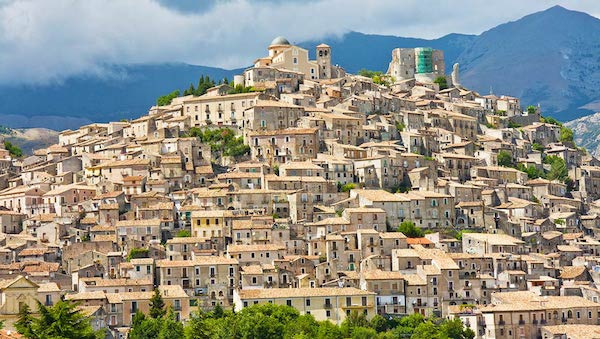 best-small-towns-in-southern-italy-Morano-Calabro