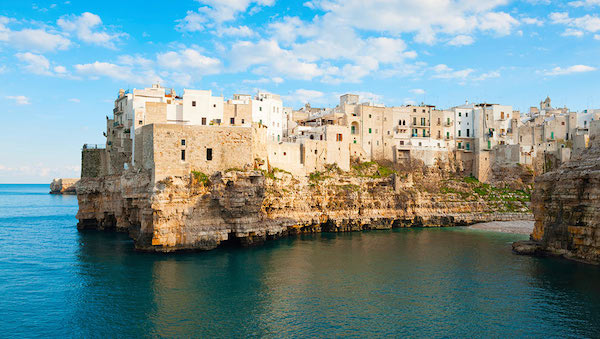 best-small-towns-in-southern-italy-Polignano