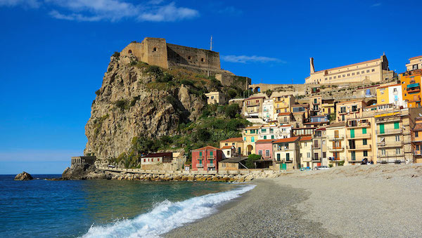 best-small-towns-in-southern-italy-Scilla