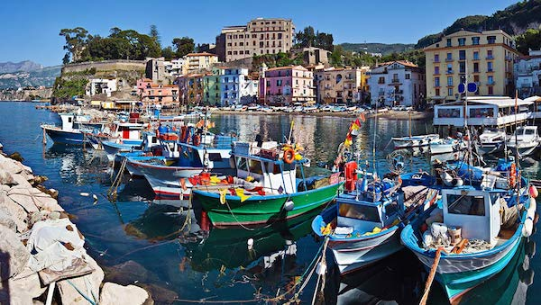 best-small-towns-in-southern-italy-Sorrento