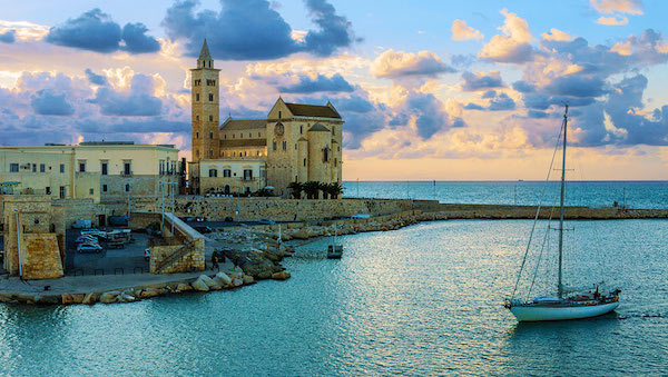best-small-towns-in-southern-italy-Trani