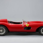 MOTEURS : La Ferrari 335 S Spider bat les records à Paris