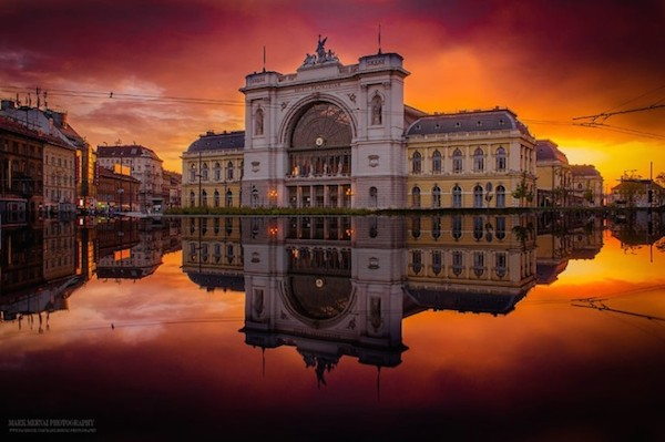Burning_Lights_Sunrises_and_Sunsets_Over_Budapests_Skyline_by_Mark_Mervai_2016_01-768x511