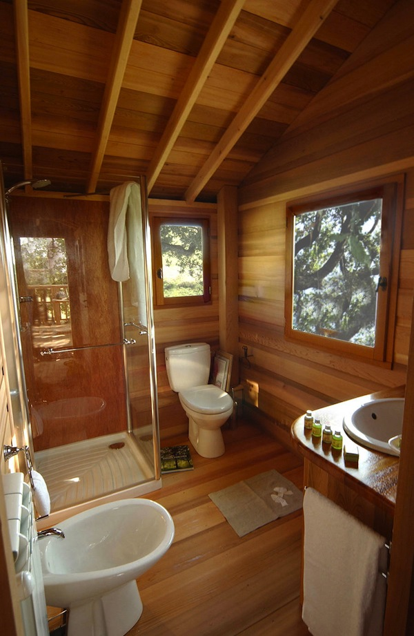Wooden-Tree-House-in-Tuscany3-900x1381