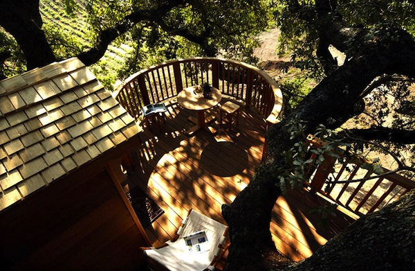 Wooden-Tree-House-in-Tuscany5-900x587