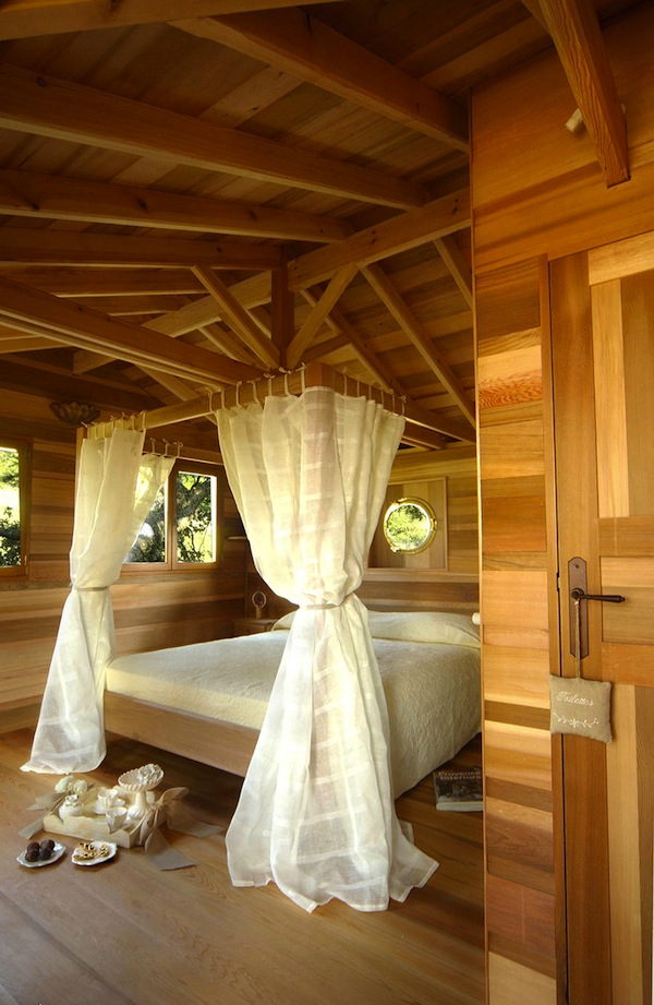 Wooden-Tree-House-in-Tuscany9-900x1382