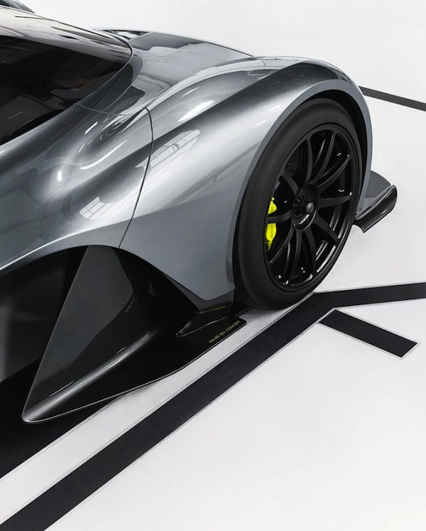 aston-martin-am-rb-001-092-818x1018-740x921