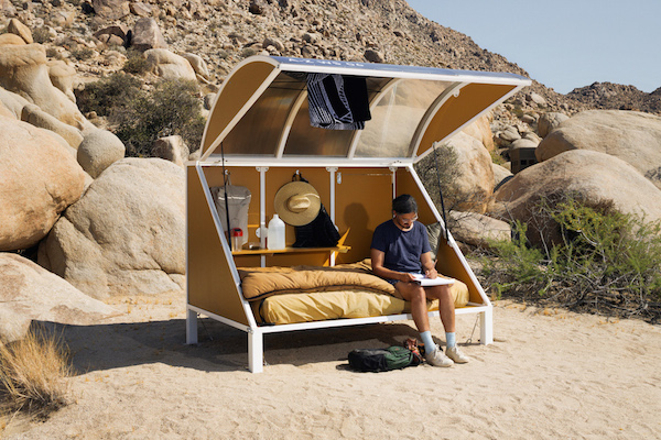 wagon-community-living-project-in-the-desert-1