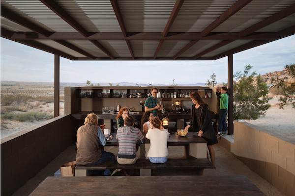 wagon-community-living-project-in-the-desert-3