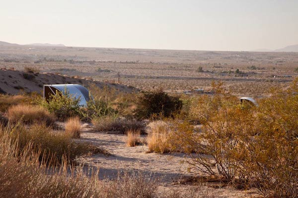 wagon-community-living-project-in-the-desert-7