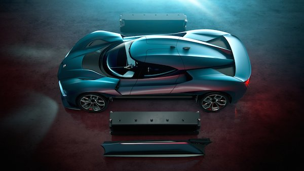 nio-eP9-electric-car-transport-design_dezeen_2364_col_4
