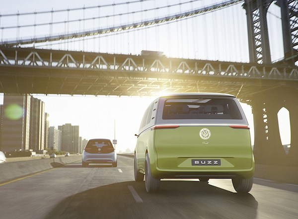 volkswagen-ID-buzz-concept-self-driving-electric-campervan-14