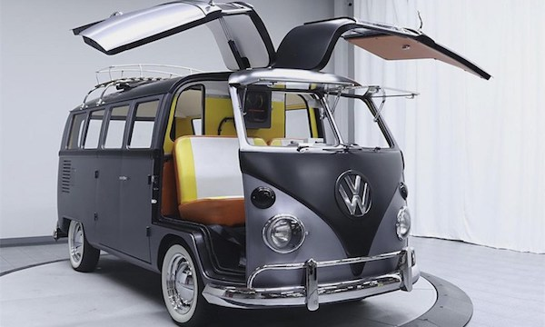 Back_to_the_Future_1967_Vintage_VW_Bus_2017_01