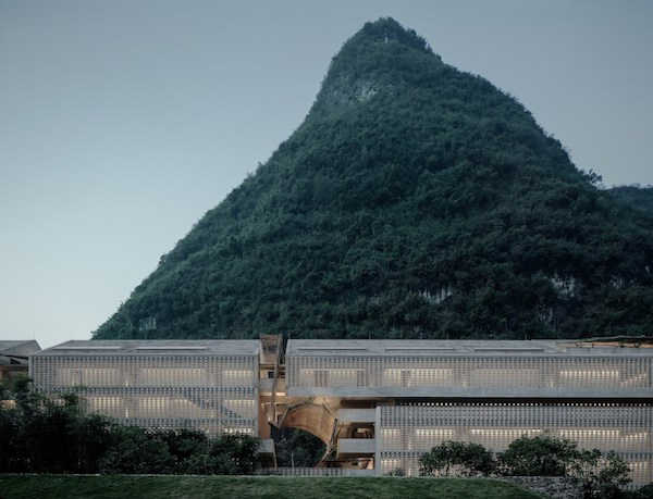 Abandoned-Sugar-Factory-Transformed-into-Gorgeous-Hotel-in-Yangshuo-China-14