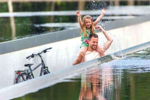 burolandschap-cycle-through-water-belgium-designboom-12