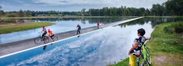 burolandschap-cycle-through-water-belgium-designboom-1800-1