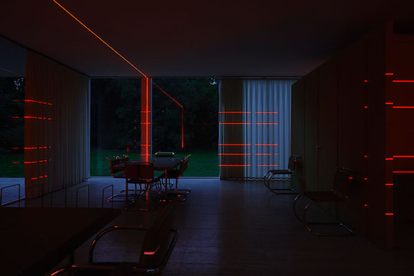 f2_geometry_of_light_farnsworth_house_luftwerk_iker_gil_photo_by_kate_joyce_yatzer