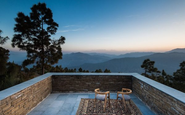 In-the-Heart-of-Nature-Kumaon-Hotel-the-Himalayas-01-1