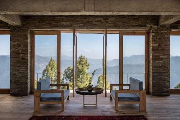 In-the-Heart-of-Nature-Kumaon-Hotel-the-Himalayas-04-1