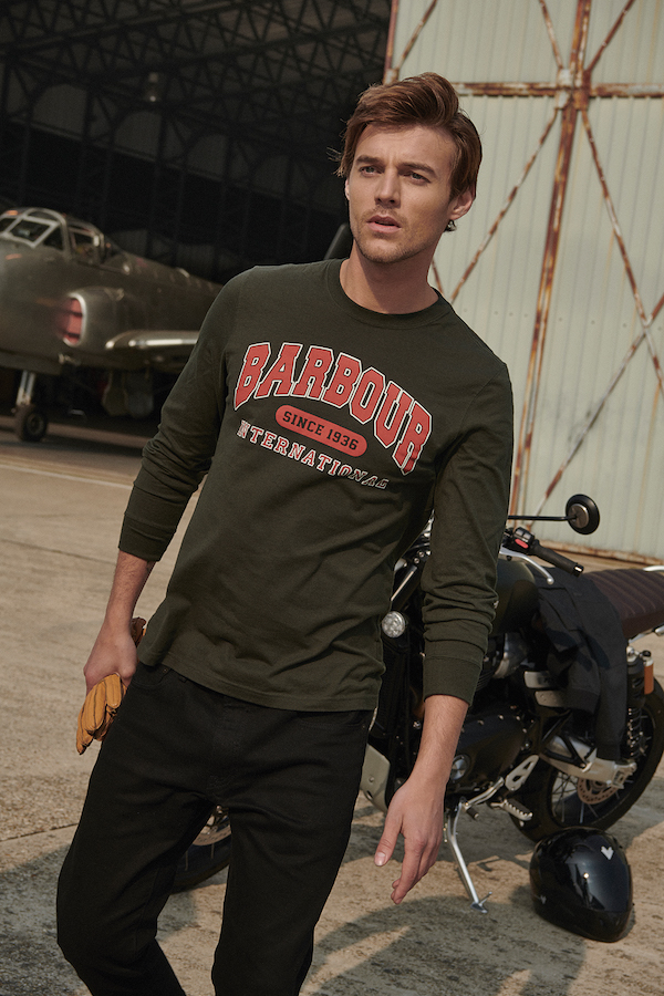 SS20_BARBOUR INTERNATIONAL_Colleglate LS Tee_MTS0665GN43_300_DPI_CMYK_15cm (3)