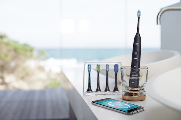 Philips-Sonicare-DiamondClean-Smart_Lunar-Blue_in-situ.download