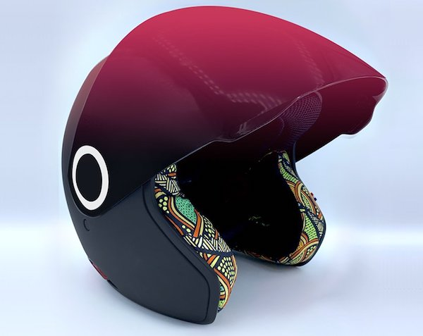 kosmos-smart-helmet-motorcycle-connected-safety-designboom01