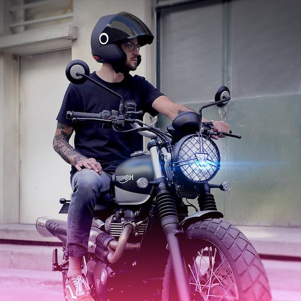 kosmos-smart-helmet-motorcycle-connected-safety-designboom05